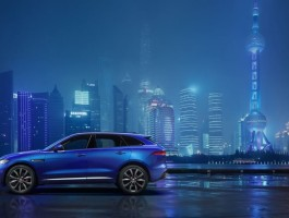 jag_fpace_front